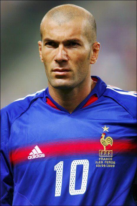 [HF] [DVDRIP FR] Zinedine Zidane - Portrait d'un H?�ros Tr??s Discret